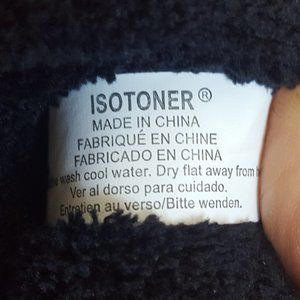 Isotoner Shoes - 💋💋Soft & Cozy Memory Foam Sleepers 💋💋